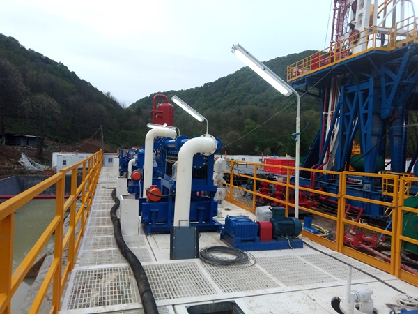 KOSUN ZJ50 solids control system at a shale gas exploration site in Hanzhong, Shaanxi